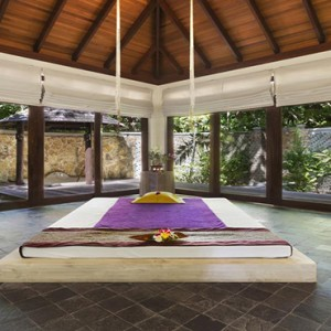 JA Manafaru - Luxury Maldives honeymoon packages - spa treatment room1