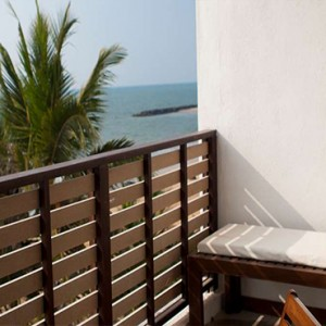Jetwing Sea - Luxury Sri Lanka Honeymoon Packages - Deluxe room balcony