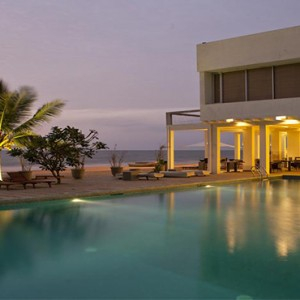 Jetwing Sea - Luxury Sri Lanka Honeymoon Packages - Pool and ocean views