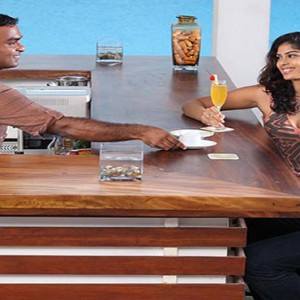 Jetwing Sea - Luxury Sri Lanka Honeymoon Packages -bar