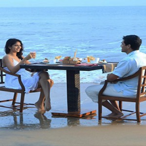 Jetwing Sea - Luxury Sri Lanka Honeymoon Packages - dining on beach