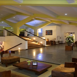 Jetwing Sea - Luxury Sri Lanka Honeymoon Packages - hotel lobby