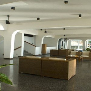 Jetwing Sea - Luxury Sri Lanka Honeymoon Packages - hotel lobby area