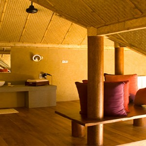 Jetwing Vil Uyana - Luxury Sri Lanka Honeymoon Packages - Forest Dwelling bathroom