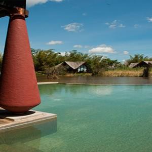 Jetwing Vil Uyana - Luxury Sri Lanka Honeymoon Packages - Restaurant near pool