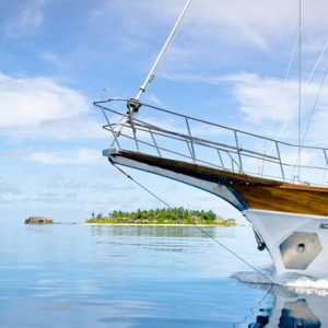 Kandolhu Maldives - Luxury Maldives Honeymoon Packages - Island excursion