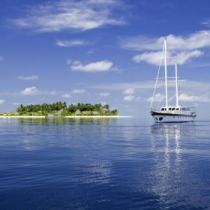 Kandolhu Maldives - Luxury Maldives Honeymoon Packages - Island explorer