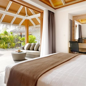Kandolhu Maldives - Luxury Maldives Honeymoon Packages - Jacuzzi Beach Villa