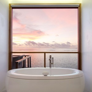 Kandolhu Maldives - Luxury Maldives Honeymoon Packages - Ocean Villa bathroom