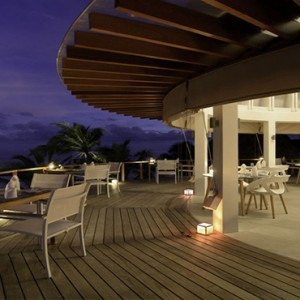 Kandolhu Maldives - Luxury Maldives Honeymoon Packages - Olive at night