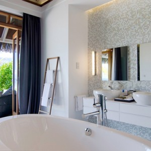 Kandolhu Maldives - Luxury Maldives Honeymoon Packages - Pool Villas bathroom