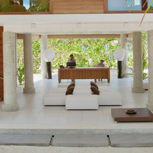 Kandolhu Maldives - Luxury Maldives Honeymoon Packages - Reception