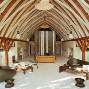 Kandolhu Maldives - Luxury Maldives Honeymoon Packages - Spa Reception
