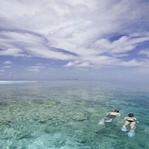 Kandolhu Maldives - Luxury Maldives Honeymoon Packages - snorkelling