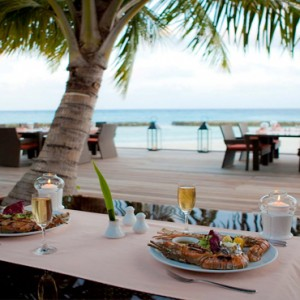 Kuramathi Maldives - Luxury Maldives Honeymoon Packages - Island Barbeque