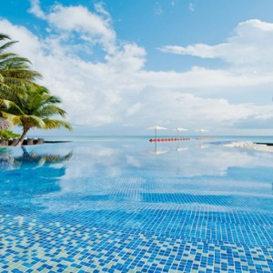 Kuramathi Maldives - Luxury Maldives Honeymoon Packages - Main pool