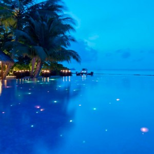Kuramathi Maldives - Luxury Maldives Honeymoon Packages - Pool at night
