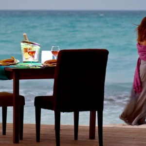 Kuramathi Maldives - Luxury Maldives Honeymoon Packages - Private dining experience