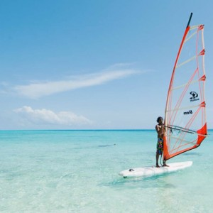 Kuramathi Maldives - Luxury Maldives Honeymoon Packages - Watersport actvities1