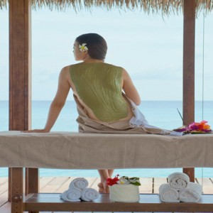 Kuramathi Maldives - Luxury Maldives Honeymoon Packages - spa treatment