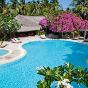 Kuramathi Maldives - Luxury Maldives Honeymoon Packages - swimming pool