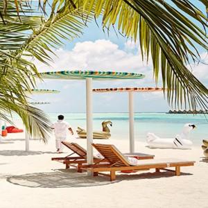 Lux South Ari Atoll - Luxury Maldives Honeymoon Packages - Lagoon Bar