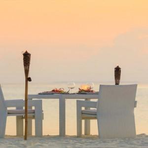 Maafushivaru - Luxury Maldives Honeymoon Packages - A la carte dining
