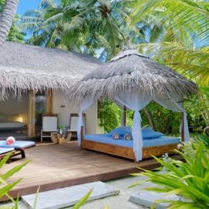 Maafushivaru - Luxury Maldives Honeymoon Packages - Beach villas exterior
