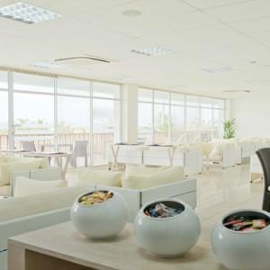 Maafushivaru - Luxury Maldives Honeymoon Packages - Lounge transfer
