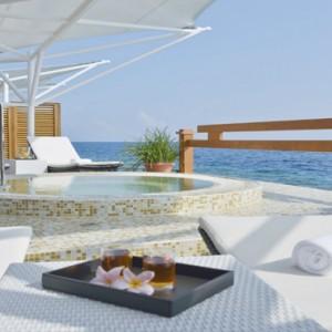 Maafushivaru - Luxury Maldives Honeymoon Packages -Spa jacuzzi outside1