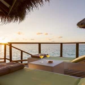 Maafushivaru - Luxury Maldives Honeymoon Packages - Water Villas sundeck