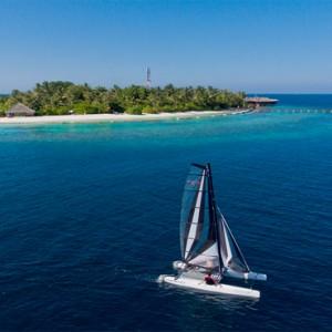 Maafushivaru - Luxury Maldives Honeymoon Packages - Watersport activities2
