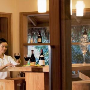 Maafushivaru - Luxury Maldives Honeymoon Packages - Wine chiller