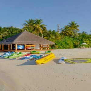 Maafushivaru - Luxury Maldives Honeymoon Packages - watersport activities4