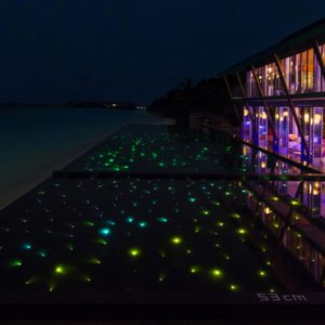 Maldives Honeymoon Packages Kuramathi Island Resort Maldives Laguna Bar 2