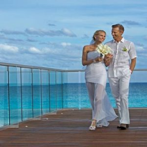 Mexico Honeymoon Packages Secrets The Vine Cancun Bride And Groom