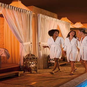 Mexico Honeymoons Packages Secrets Maroma Beach Guests At The Spa Pool