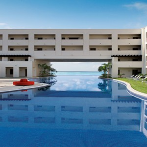 Mexico Honeymoons Packages Secrets Silversands Riviera Cancun – Main Pool