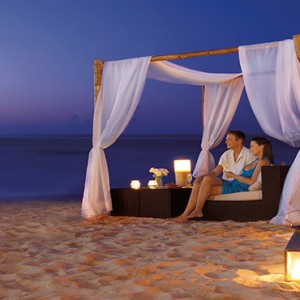 Mexico Honeymoons Packages Secrets Silversands Riviera Cancun – Romanic Dinner