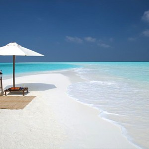 Milaidhoo Island Maldives - Luxury Maldives Honeymoon Packages - Sandbank seating