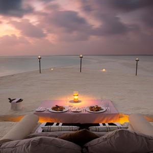 Milaidhoo Island Maldives - Luxury Maldives Honeymoon Packages - beach bbq