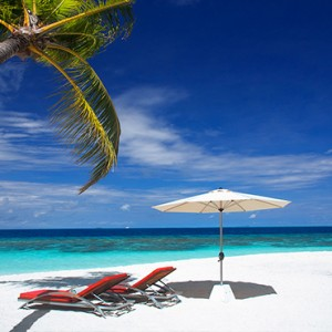 OBLU by Atmosphere at Helengali - Luxury Maldives Honeymoon Packages - Beach1