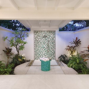 OBLU by Atmosphere at Helengali - Luxury Maldives Honeymoon Packages - Deluxe Beach Villa bathroom