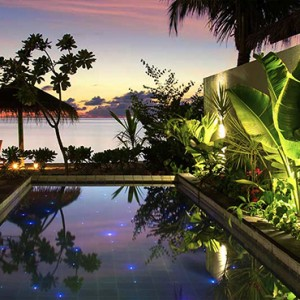 Ozen by Atmosphere at Maadhoo Island - Luxury Maldives Honeymoon Packages - Earth Villa with Pool at night