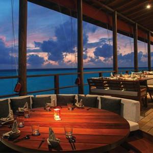 Ozen by Atmosphere at Maadhoo Island - Luxury Maldives Honeymoon Packages - Peking restaurant