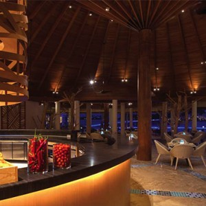 Ozen by Atmosphere at Maadhoo Island - Luxury Maldives Honeymoon Packages - The Palm restaurant