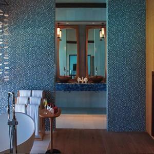 Ozen by Atmosphere at Maadhoo Island - Luxury Maldives Honeymoon Packages - Wind villa with pool bathroom