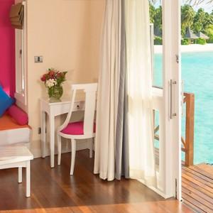 Sun Aqua Vilu Reef - Luxury Maldives honeymoon packages - Aqua Villa living area