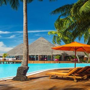 Sun Aqua Vilu Reef - Luxury Maldives honeymoon packages - Postive energy restaurant exterior pool