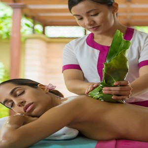 Sun Aqua Vilu Reef - Luxury Maldives honeymoon packages - Spa massage